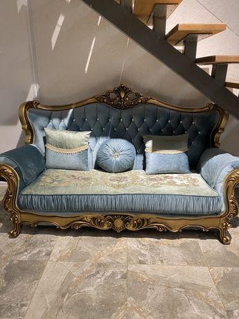Продам мягкую мебель, диван и два кресла