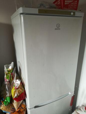 Холодильник Indizit