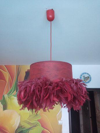 Ръчно изработен дизайнерски полилей с пера