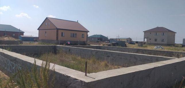 Участок с фундаментом в Каражаре.