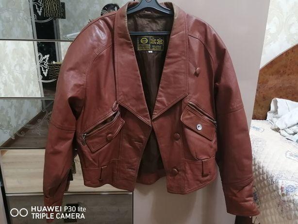 Кожанная фирменная куртка