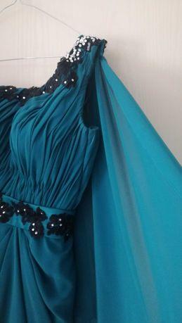 Официална рокля с дантела