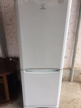 Продам холодильник  Б\У