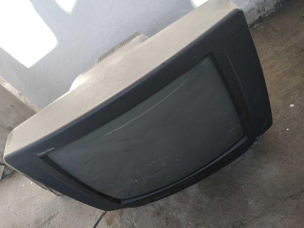 Отдам даром телевизор