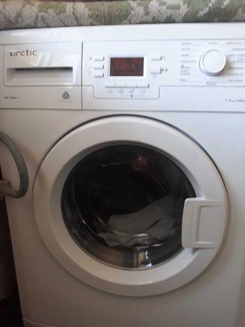 Vand masini de spalat cu sau fara butoi,si reparatii la domiciliu