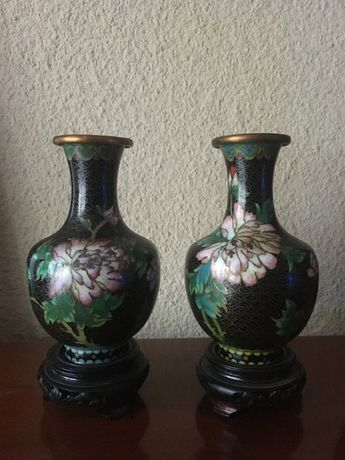 Vaza Cloisonne, Alama si Email