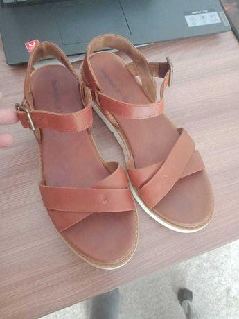 Продам сандали женские. кожаные от Timberland.