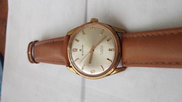 Швейцарски механичен часовник Едокс и японски Касио