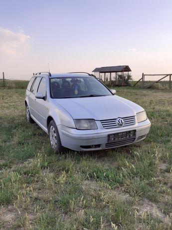 Dezmembrez VW Bora 1.9 TDI 116 cai cod motor AJM. An 2000