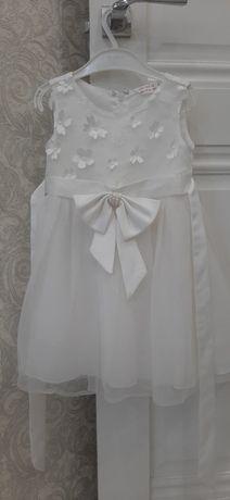 Продам нарядное платье на м6