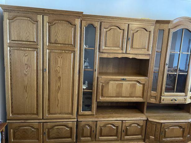 Mobila sufragerie lemn masiv intretinuta