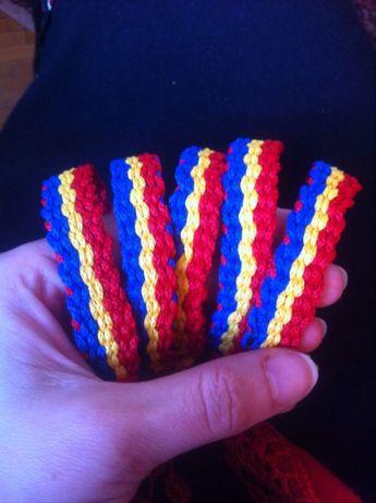 Bratari tricolor