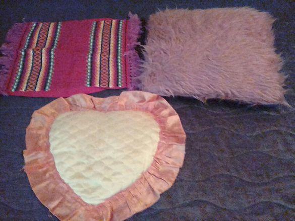 Битови възглавници и декоративни възглавнички