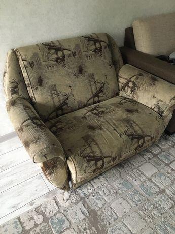 Продам раздвижное кресло.
