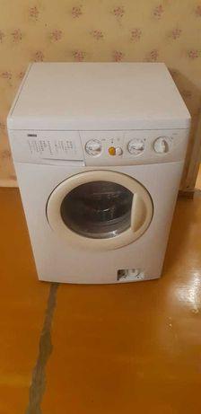 Стиральная машина ZANUSSI БУ автомат 4,5кг.
