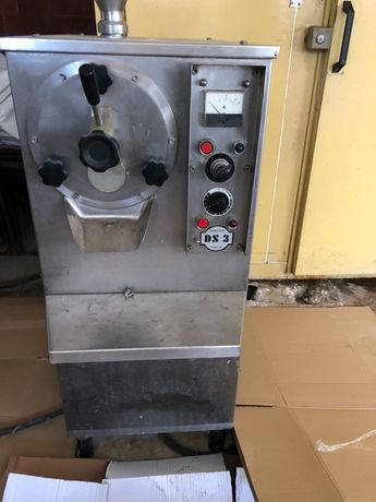 Италианска машина за твърд сладолед