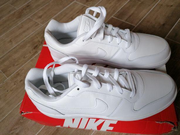 Vand Nike Ebernon Low, masura 44.5, albi, noi.