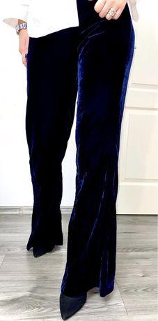 Pantaloni Zara eleganți.