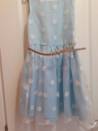Rochie / rochita cu broderie pt. 5 - 6 ani