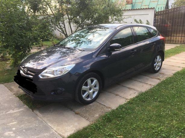 Inchiriez Ford focus, Renault Clio