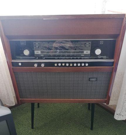 Ретро Радиограмофон Rigonda 102