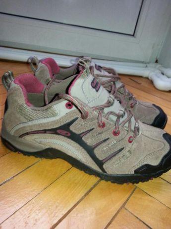 Pantofi HI-TEC noi PIELE nr.38