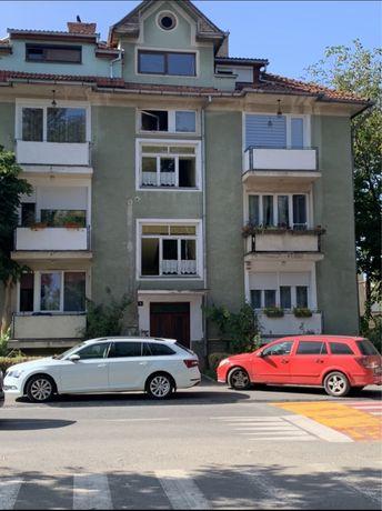 Apartament 3 camere de inchiriat, cornisa Victor Babes 9b, UMF