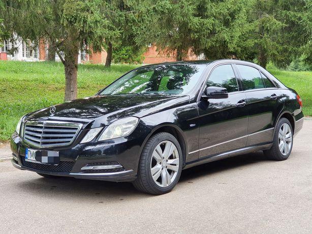 Mercedes Benz E class 220