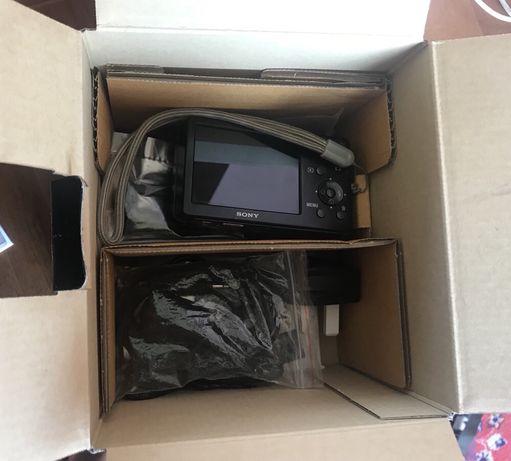 Цифровая фотокамера Sony