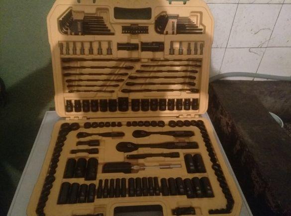 Тресчотка,гедоре комплект инструменти DeWALT 181 части