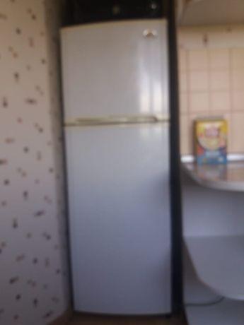 Холодильник LG в отличном состоянии