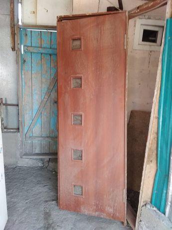 Продам дверь почти новый
