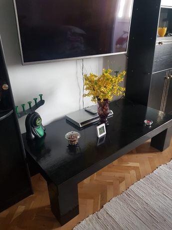 Masa vopsita in negru din lemn masiv