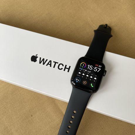 Продам срочно часы Apple Watch SE 40мм