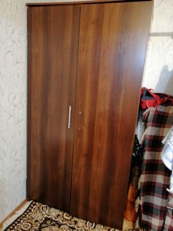 Продаётся шкаф и диван тахта в хорошем состоянии