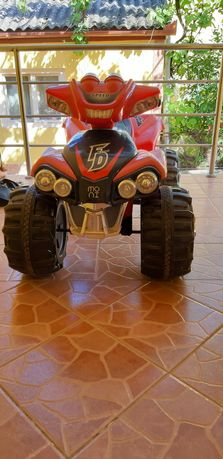Vind ATV copii cu 2 motoare de 25 W. Motorul nu a fost folosit deloc.