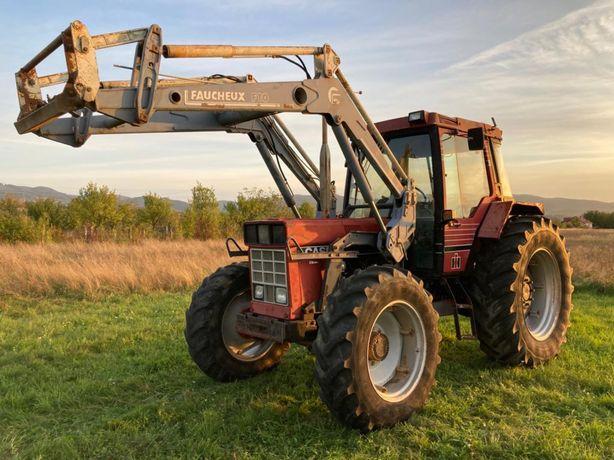 Tractor Case International 1056XL cu incarcator frontal