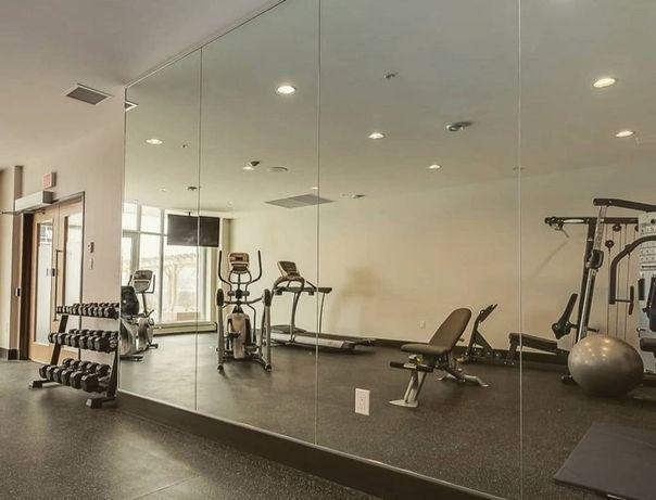 Зеркала, зеркало в спорт зал, танцевальный зал, монтаж, установка.