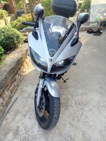 Yamaha fzs600