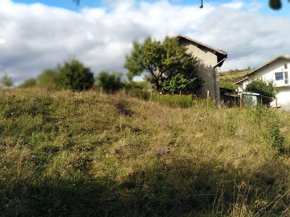 Парцел 860 кв.м. в село Ярджиловци