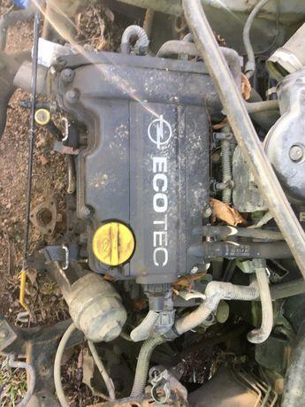 Motor opel corsa c agila 1.0 i benzina z10xe
