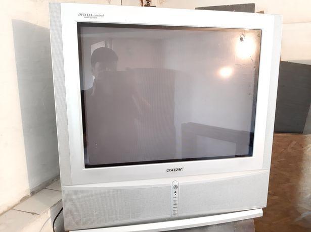 Продам телевизор SONY . Отл.сост.снизу 2 большие колонки .