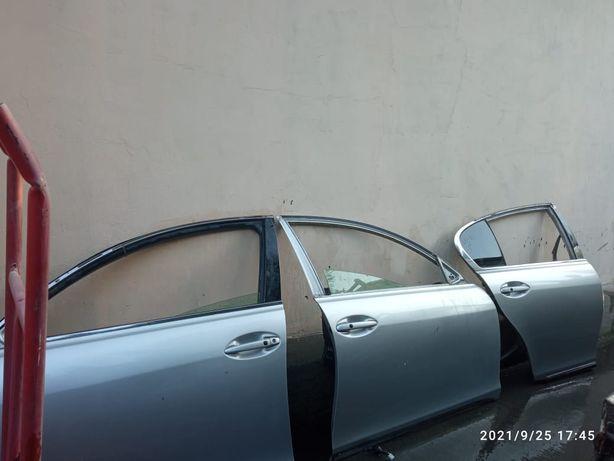 Продам двери на Lexus GS300