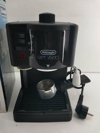Кофеварка DeLonghi с капучинатором