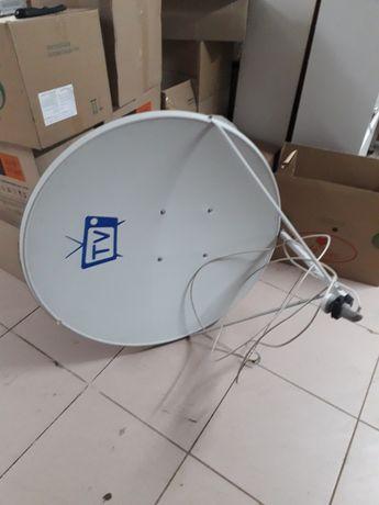 Спутниковые тарелка + приставка, пульт