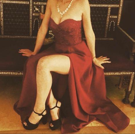 Rochie eleganta cu crapatura pe piciorul drept S