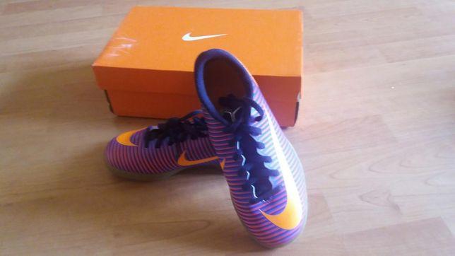 Ghete fotbal originale Nike Mercurial Vortex3 mar. 35.5 și 36.5
