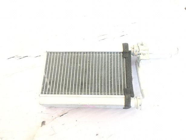 Радиатор печи на Mitsubishi Pajero