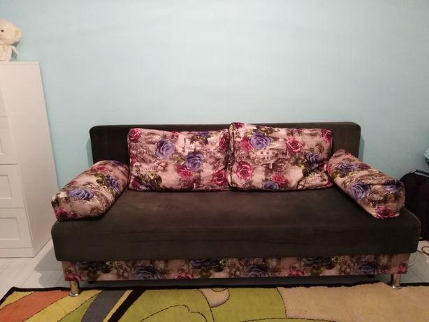 Продам диван недорого в Зачаганске