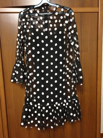 Платье, шикарное.актуальное в этом сезоне горошек.